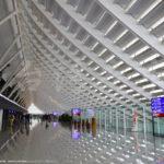 桃園国際空港内のインスタス映えポットで写真撮影