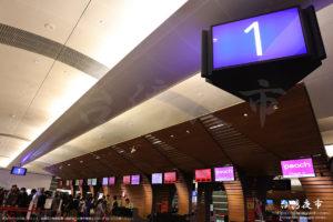 桃園国際空港ピーチの搭乗手続きカウンター