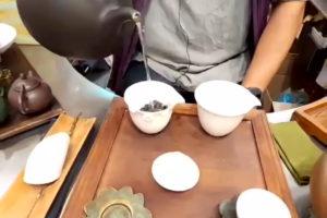 炭火焙煎をした東方美人茶
