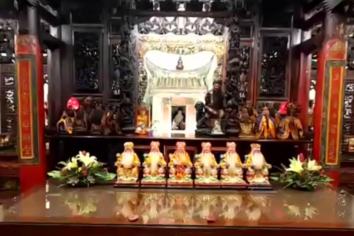 福山宮には、土地を守る神様が祀られています